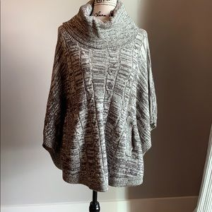 😍😍Poncho with pockets!!! 😍😍